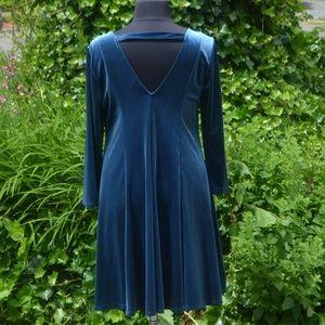 NWT Torrid 2X Teal Velvet Long Sleeve Dress